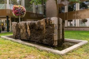 Kunstwerk-9 Fontein voor 't Hof van Hillegom